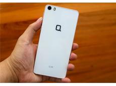 [Trên tay] Q-Glam - Smartphone tầm trung đầu tiên của Q Mobile