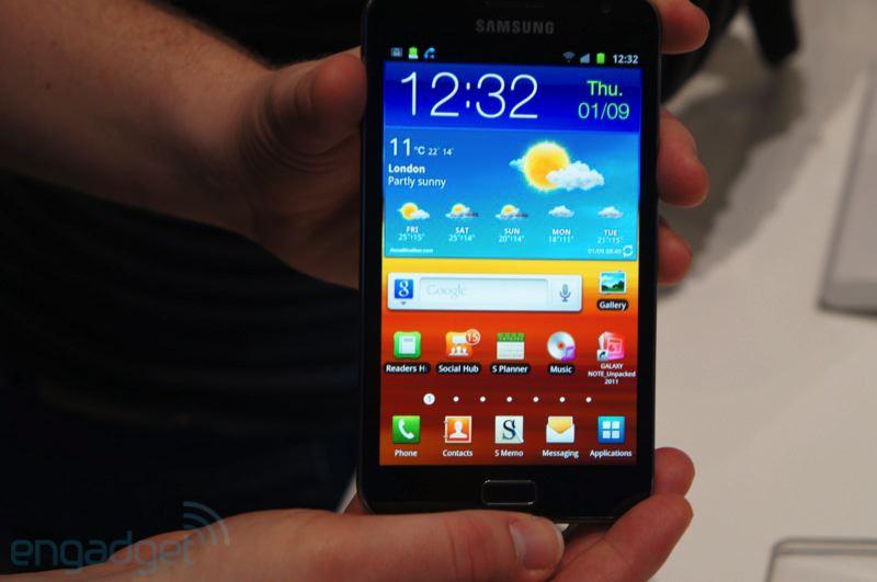 Trên tay smartphone lai tablet Samsung Galaxy Note