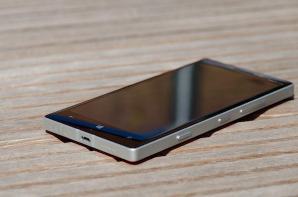 Lumia 940: Smartphone đầu tiên chạy window 10 với camera PureView 24 chấm