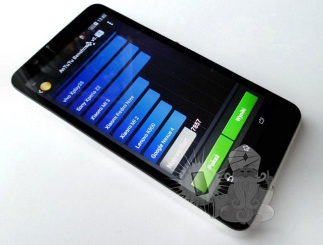 Lộ diện Sony Xperia E4 với viền mỏng, giá tầm 200 USD